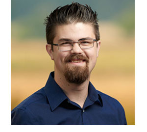 Bio pic of Eric Wagner, CEO and co-founder of i7 Marketing